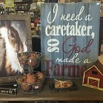 Decor-primitive, Farmhouse, rustic, country, Amish furniture, rugs, candles, melts, garden, conc