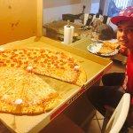 Pino's Pizza resmi