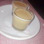Chupitos de crema de orujo (Invitación de la casa)