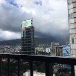 Photo de DoubleTree by Hilton Alana - Waikiki Beach