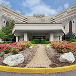 Photo of DoubleTree by Hilton Hotel Newark Airport