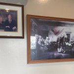 Sara's offers an American Museum for you to dine in. From pictures to memorabilia, it offers a g