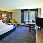 Photo of La Quinta Inn & Suites Birmingham Hoover