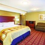 Photo of La Quinta Inn & Suites Canton