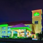 Foto de La Quinta Inn & Suites Tulsa Airport / Expo Square