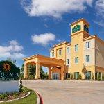 Photo of La Quinta Inn & Suites Marshall