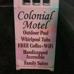 Photo de Colonial Motel