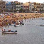 Playa Las Canteras a pocos pasos del hotel