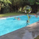 Une piscine chauffée ouverte de mai à septembre