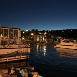 Enfrente del muelle del puerto de Kastos