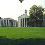 iconic view across the lawn at W&L