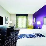 Photo of La Quinta Inn & Suites Fairfield - Napa Valley