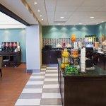 Photo of Hampton Inn & Suites by Hilton Toronto Airport