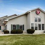 Photo de Econo Lodge Inn and Suites