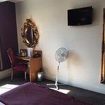 The Unicorn Hotel.Bedroom