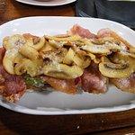 Tosta Desy (bacon, champis y pimiento)