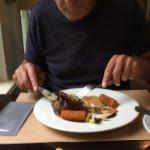 Heerlijk gegeten leuke bediening gezellig praatje eten was goed prachtige tuin en betaalbaar