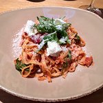 fettuccine with spicy tomato sauce