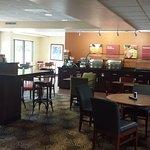 Photo de Comfort Suites Airport