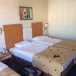 Photo de Crystal Admiral Resort Suites & Spa