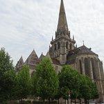 La cathédrale Saint Lazare