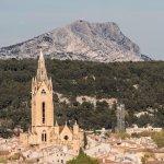 Vue sur la ville d'Aix et la Montagne Sainte-Victoire