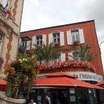 July 2017: Brasserie de l'Hôtel de ville, superb location!