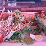 Pause dejeuner:tarte saumon épinard salade