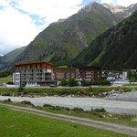 Photo of Hotel Vier Jahreszeiten
