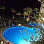 Vistas del hotel y piscina