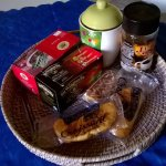 Caffè solubile e in polvere (non utilizzato visto lo stato di ossidazione della caffettiera), th