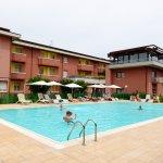 Photo de Hotel Oliveto Lago di Garda - Desenzano del Garda
