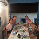 Ma famille et moi, dans le charmant restaurant Ney avec vue sur le port. Nous sommes enchantés !
