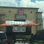 Foto de 24 Diner