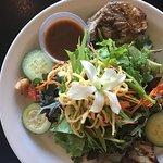 Photo de Cafe Pesto Hilo Bay