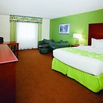 Photo de La Quinta Inn & Suites Valdosta / Moody AFB