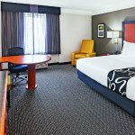 Photo of La Quinta Inn & Suites Dallas Arlington South