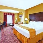 Photo of La Quinta Inn & Suites Columbus West - Hilliard