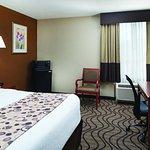 Photo of La Quinta Inn & Suites Wytheville