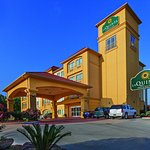 Photo of La Quinta Inn & Suites Houston - Magnolia