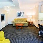 Photo de La Quinta Inn & Suites Durham Chapel Hill