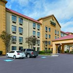 Photo of La Quinta Inn & Suites Round Rock South