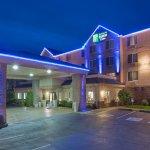 Photo of Holiday Inn Express Portland - Jantzen Beach