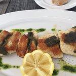 Ausgezeichnetes Essen: Entenleber mit Apfelmus Eis; gebratener Aal