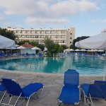 The pool Hotel Aventi 04-08-17_large.jpg