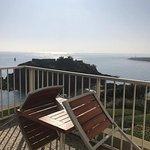 Terrasse vue sur mer depuis la chambre de l'hôtel ker moor preference de saint quay portrieux