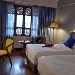 kamar twinnya luas, fasilitas lengkap, nyaman