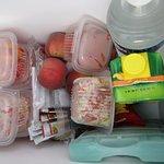 frigobox met lekkere lunch, merci!