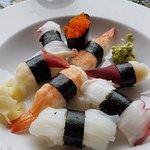 Foto de Tough City Sushi