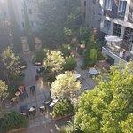 Photo de Adina Apartment Hotel Budapest